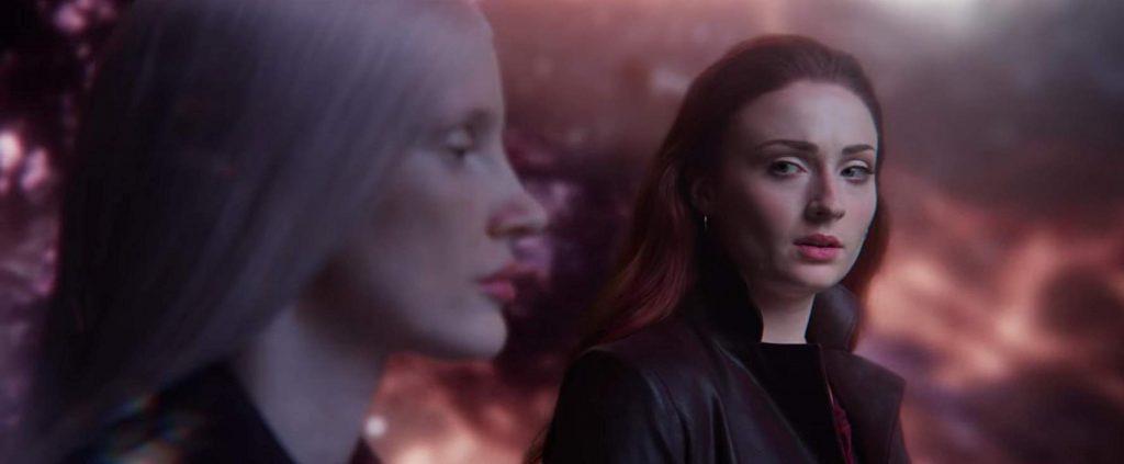 女性に化けたヴークはジーンの力を狙う宇宙人